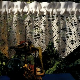 """Anne Marie's gardinkappe """"Hardanger"""" - Hi 9312"""