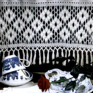 En tradisjonsrik bord - Hi 0104